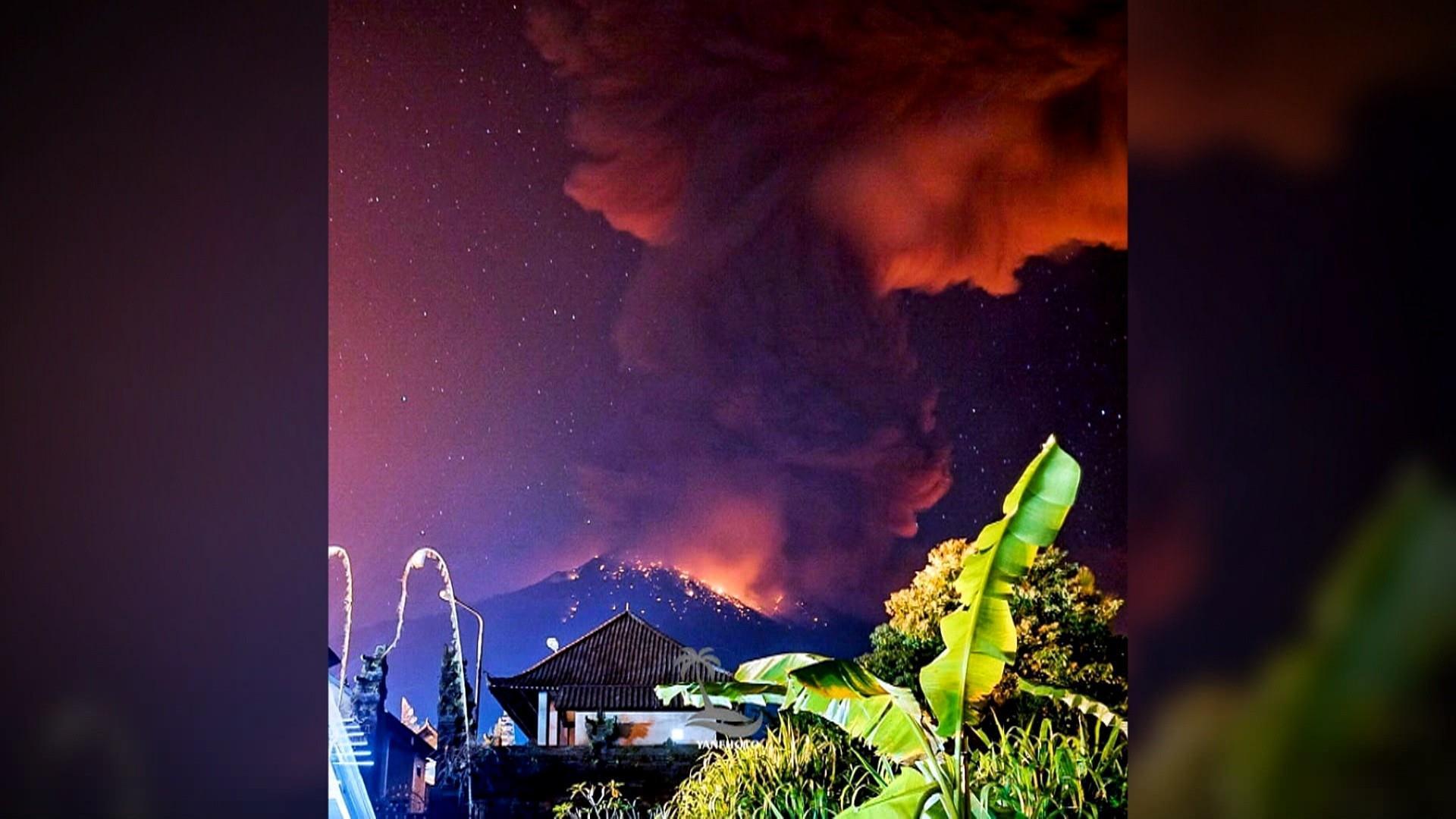Volcano erupts on island of Bali, canceling flights