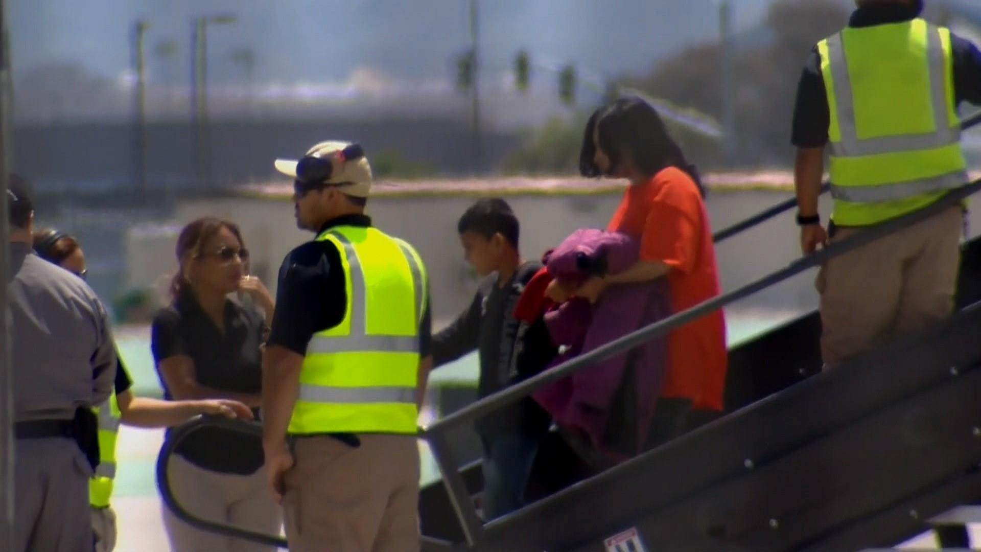 Hundreds of migrants detained in Texas to be flown to San Diego