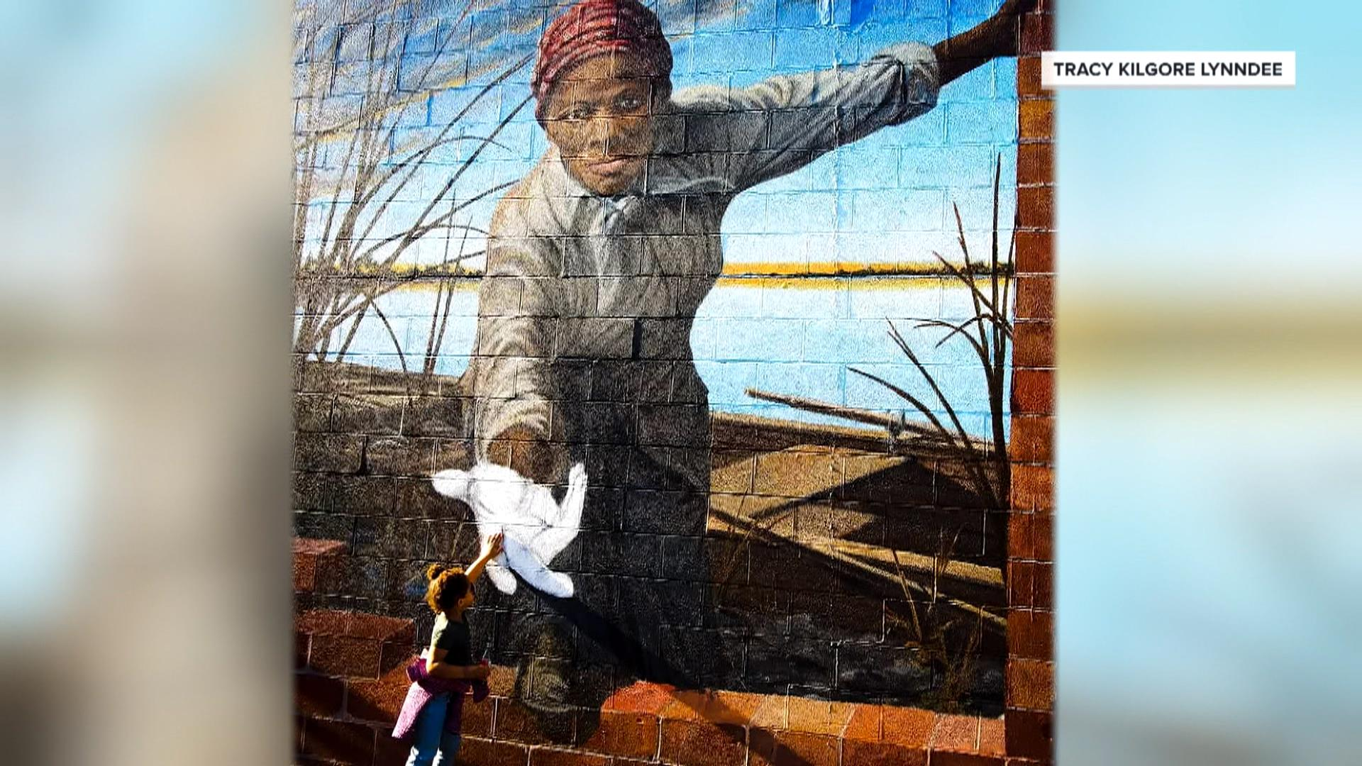 Girl reaches out to Harriet Tubman mural in viral photo, and more Highs and Lows