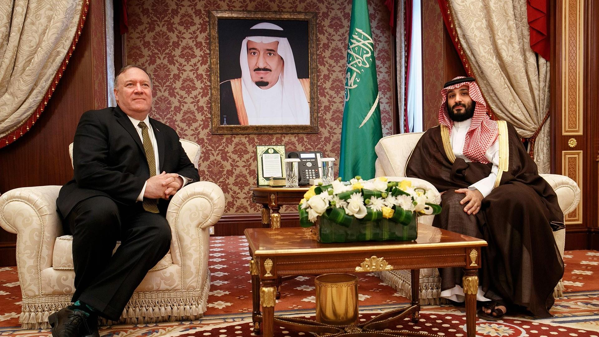 Pompeo visits Saudi Arabia as U.S. and Iran trade threats