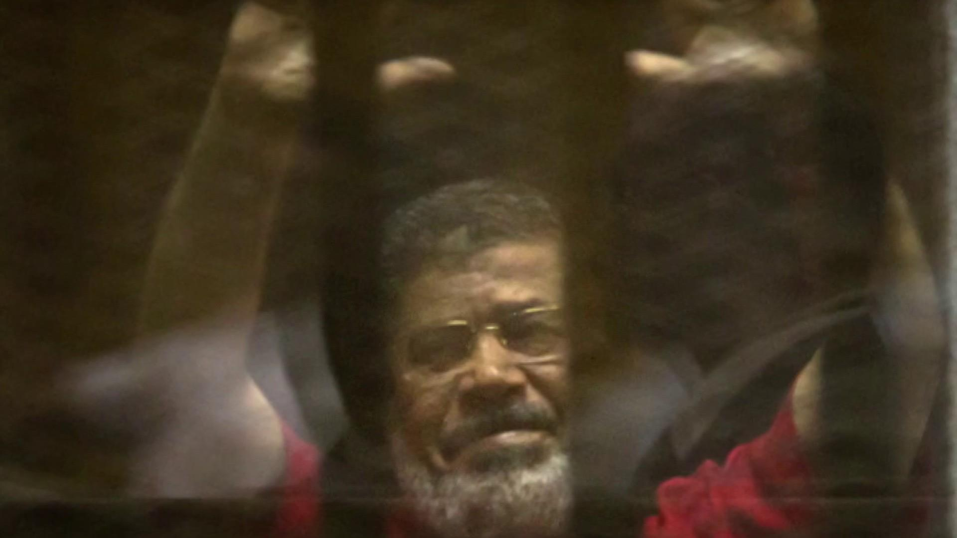 Former Egyptian president dies after court appearance