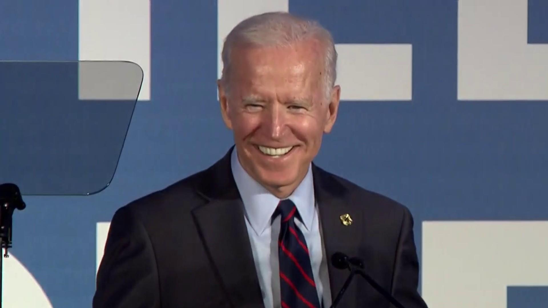 2020 candidates go after Biden but don't use his name
