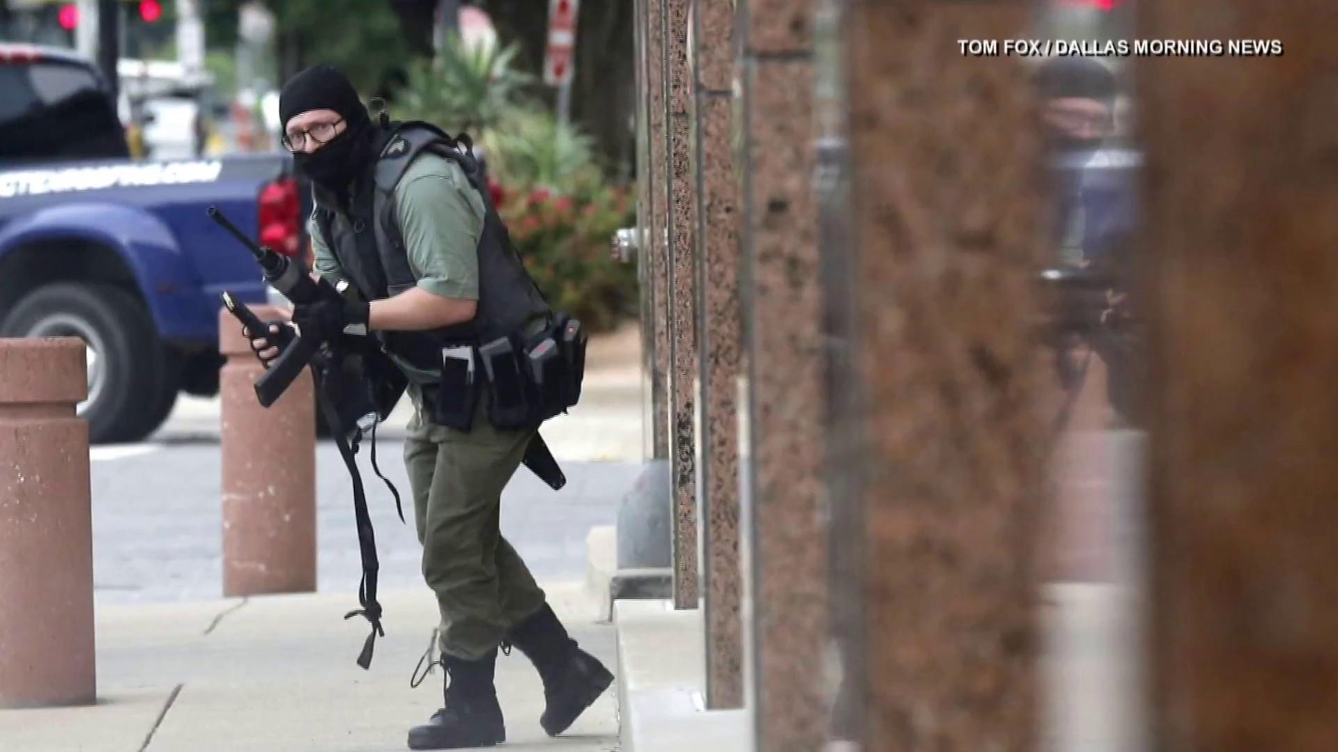 Suspected gunman killed after shootout outside Dallas courthouse