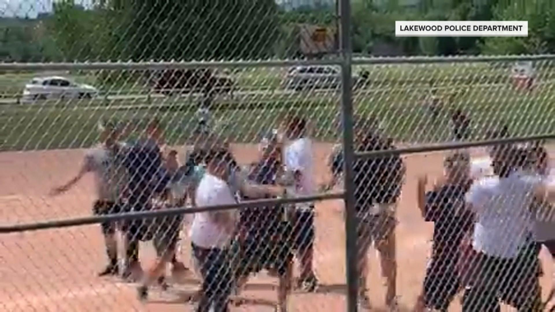 Massive brawl breaks out at youth baseball game