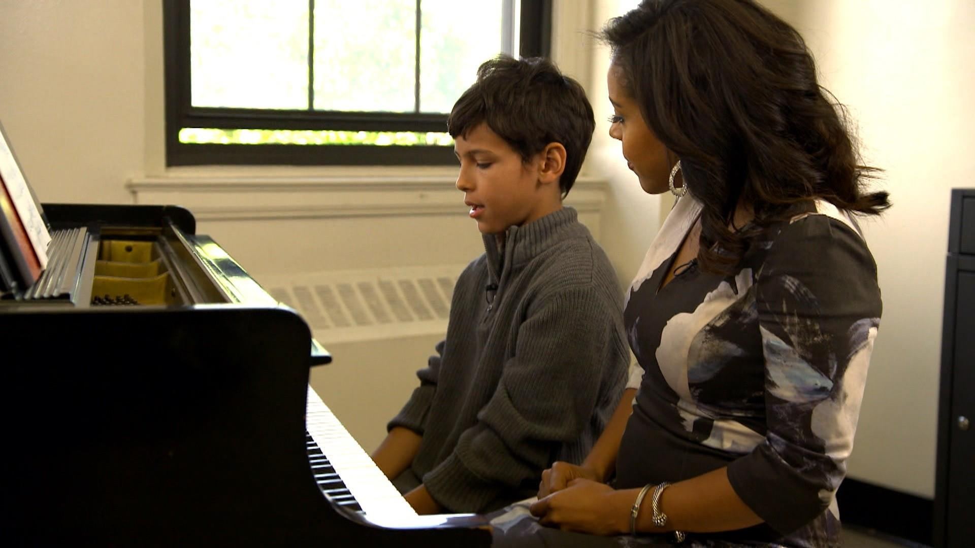 Bronx conservatory offers free music lessons to students