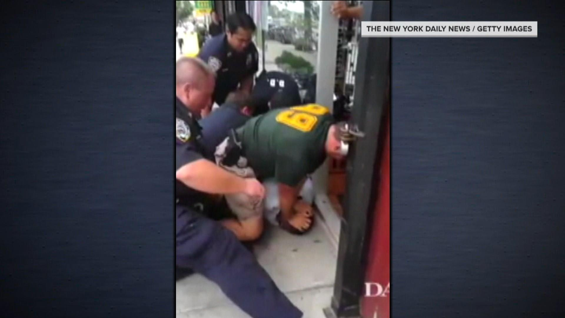 Decision not to charge NYPD officer in Eric Garner case exposes DOJ divide