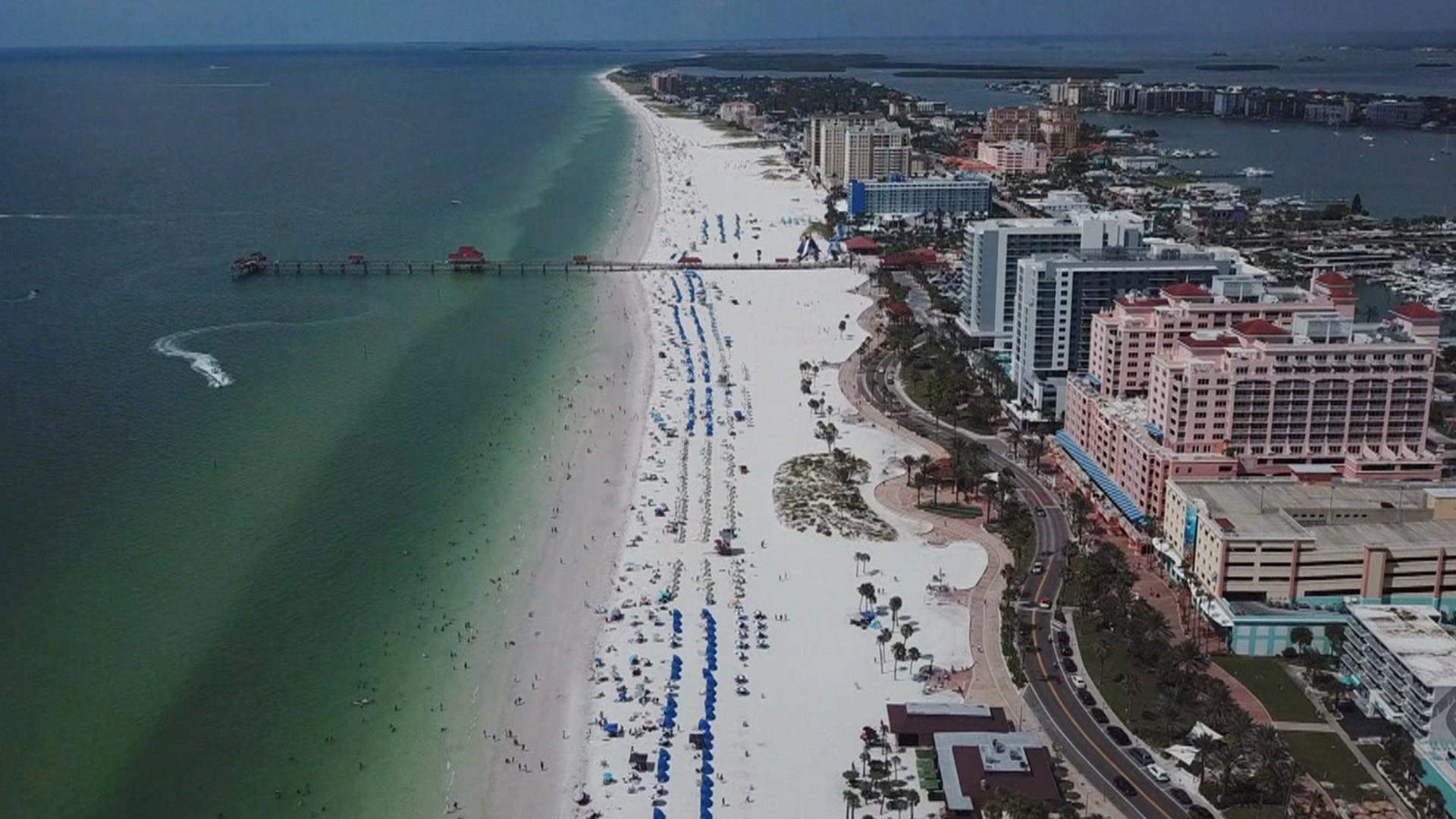 Lightning strikes crowded Florida beach, injuring at least 8