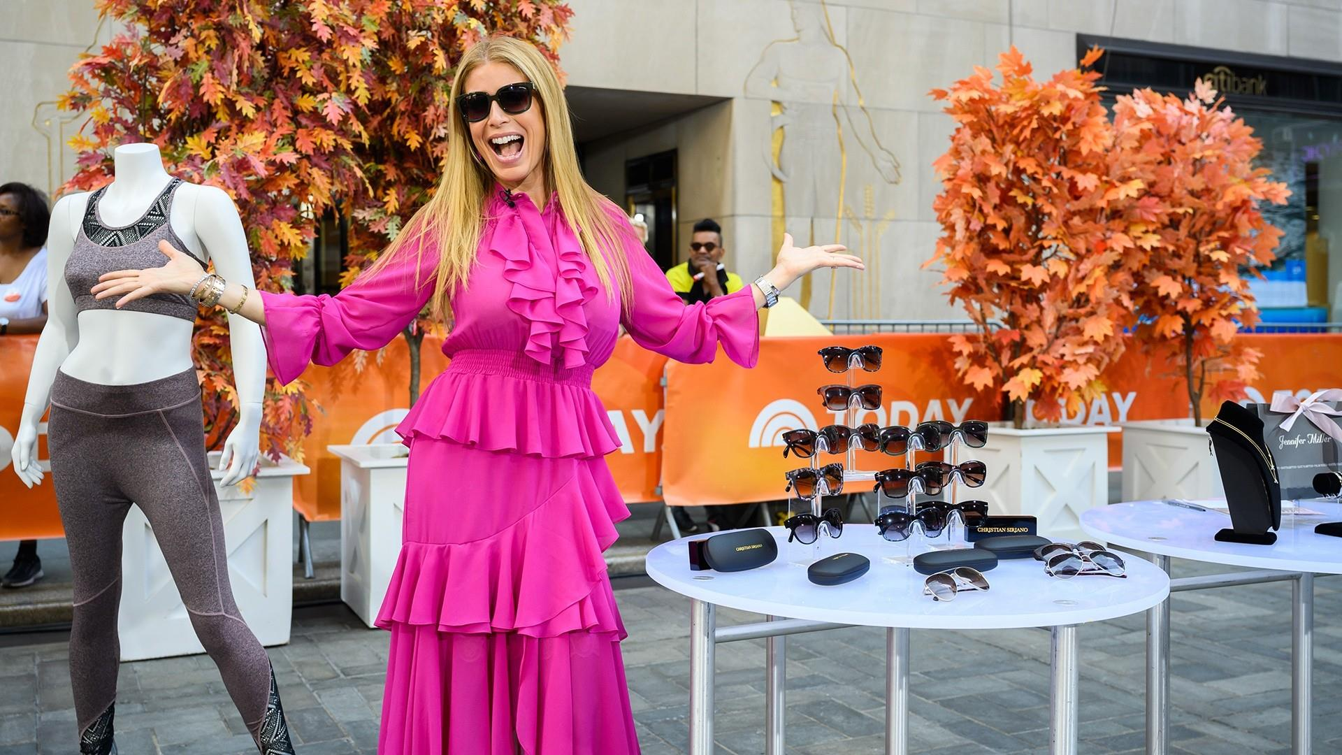 Steals and Deals for fall fashion: Stylish sunglasses, cozy shawls, more
