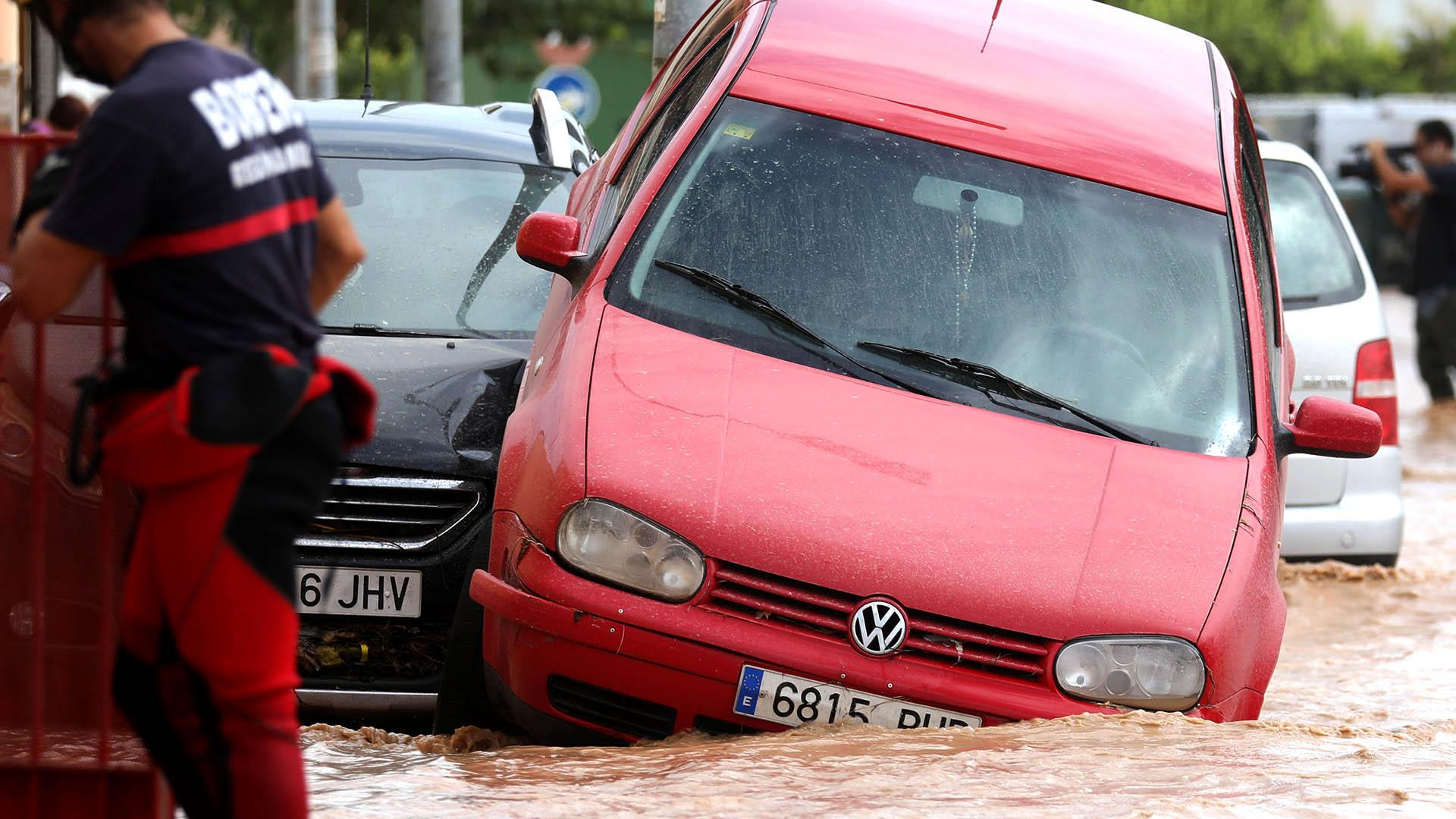 Residents evacuated as deadly floods hit southeastern Spain