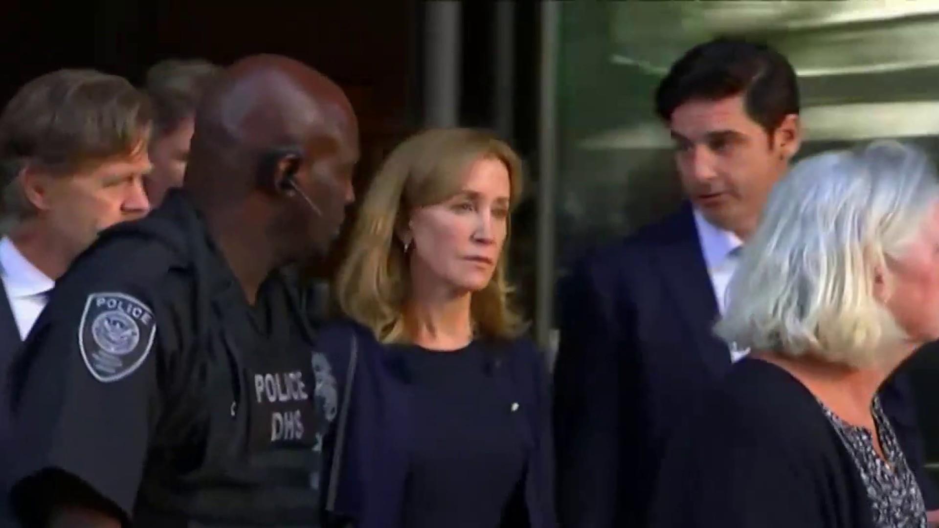 Prosecutor cites Ohio mom in plea for Felicity Huffman prison time