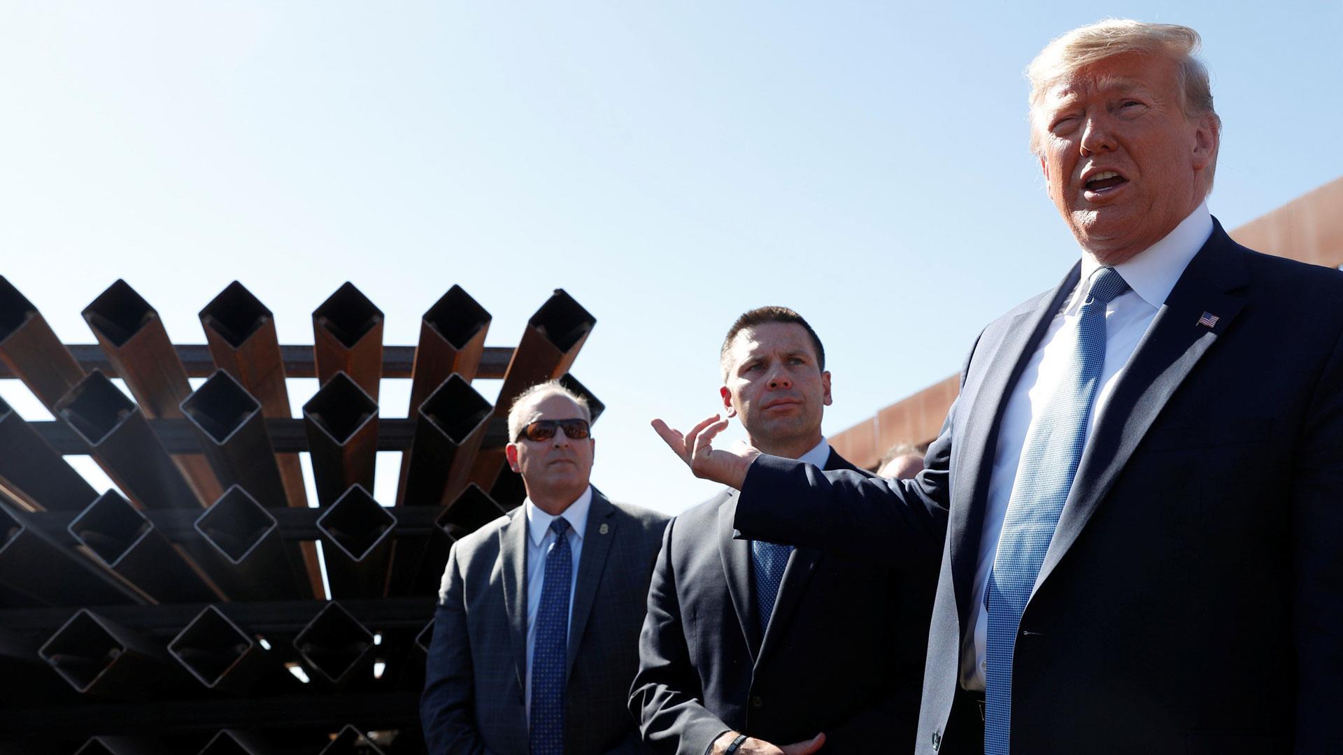 Trump tours California border wall, praises its construction