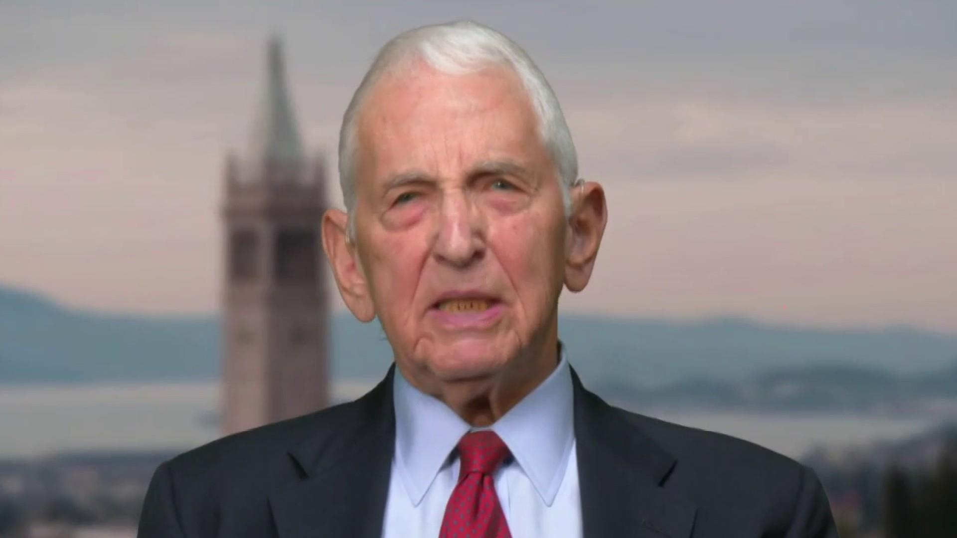 Whistleblower Daniel Ellsberg: Ukraine plot shows Trump now a 'domestic enemy' to the U.S.