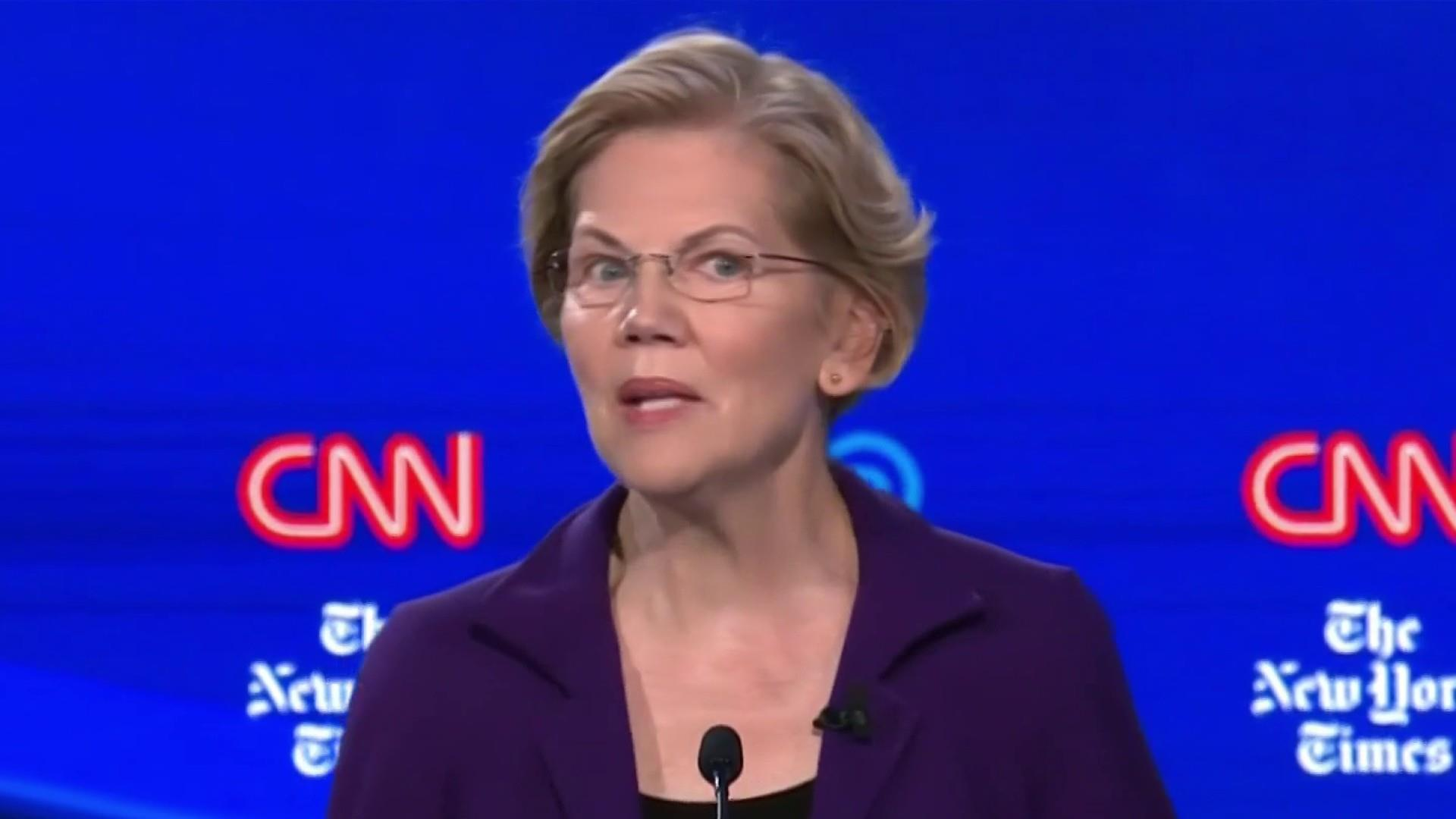 Elizabeth Warren gets the frontrunner treatment