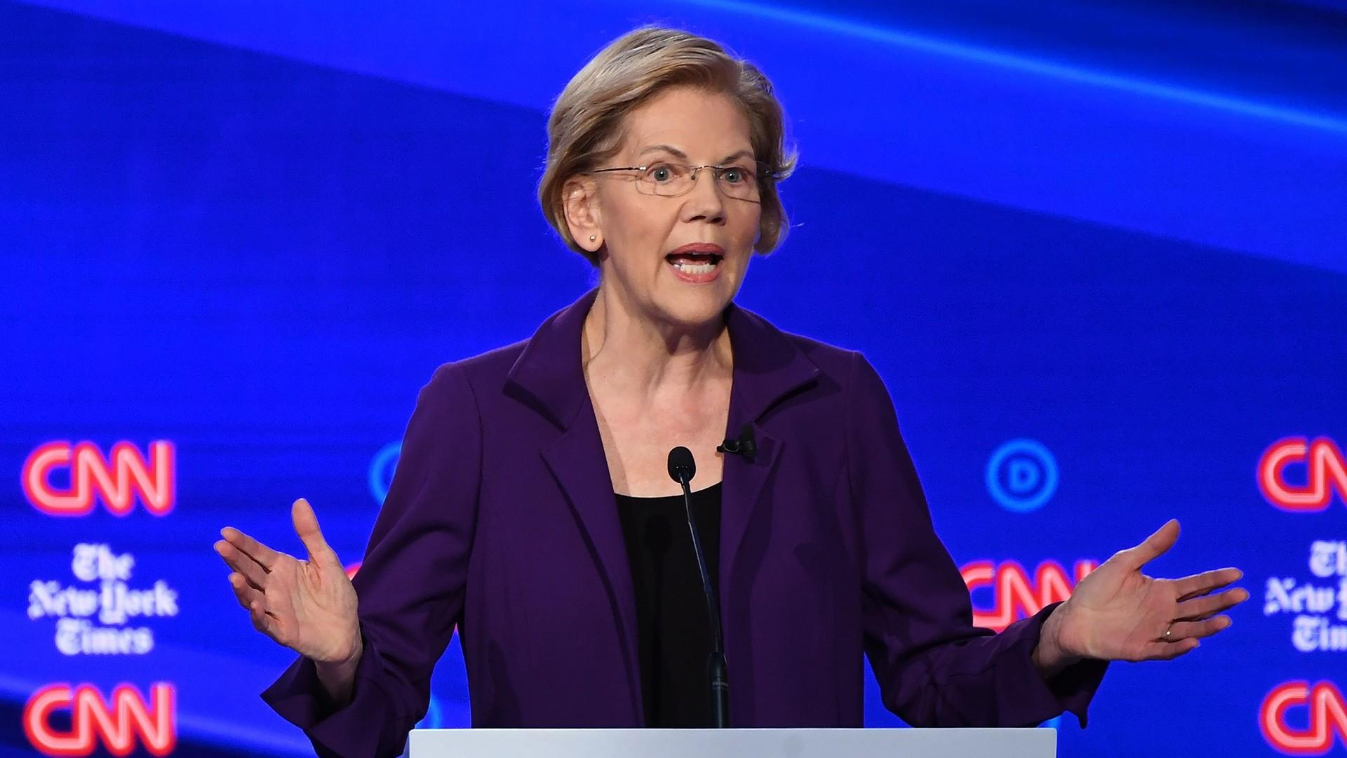 Democrats pounce on Warren in 4th primary debate