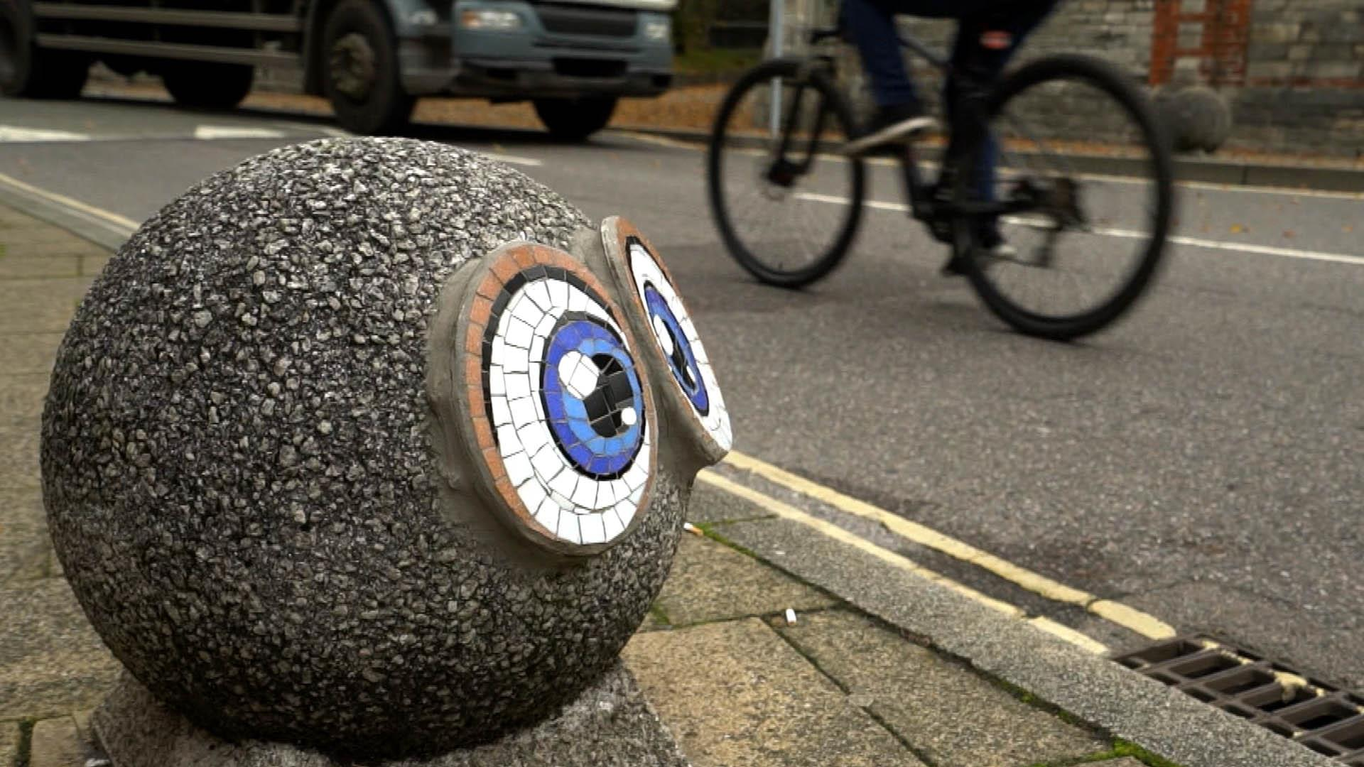 Guerrilla tiler transforms walls with ceramics in Southampton, England