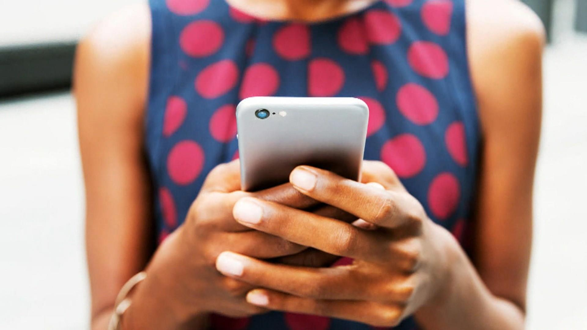 How some parents are using phone apps to monitor their kids