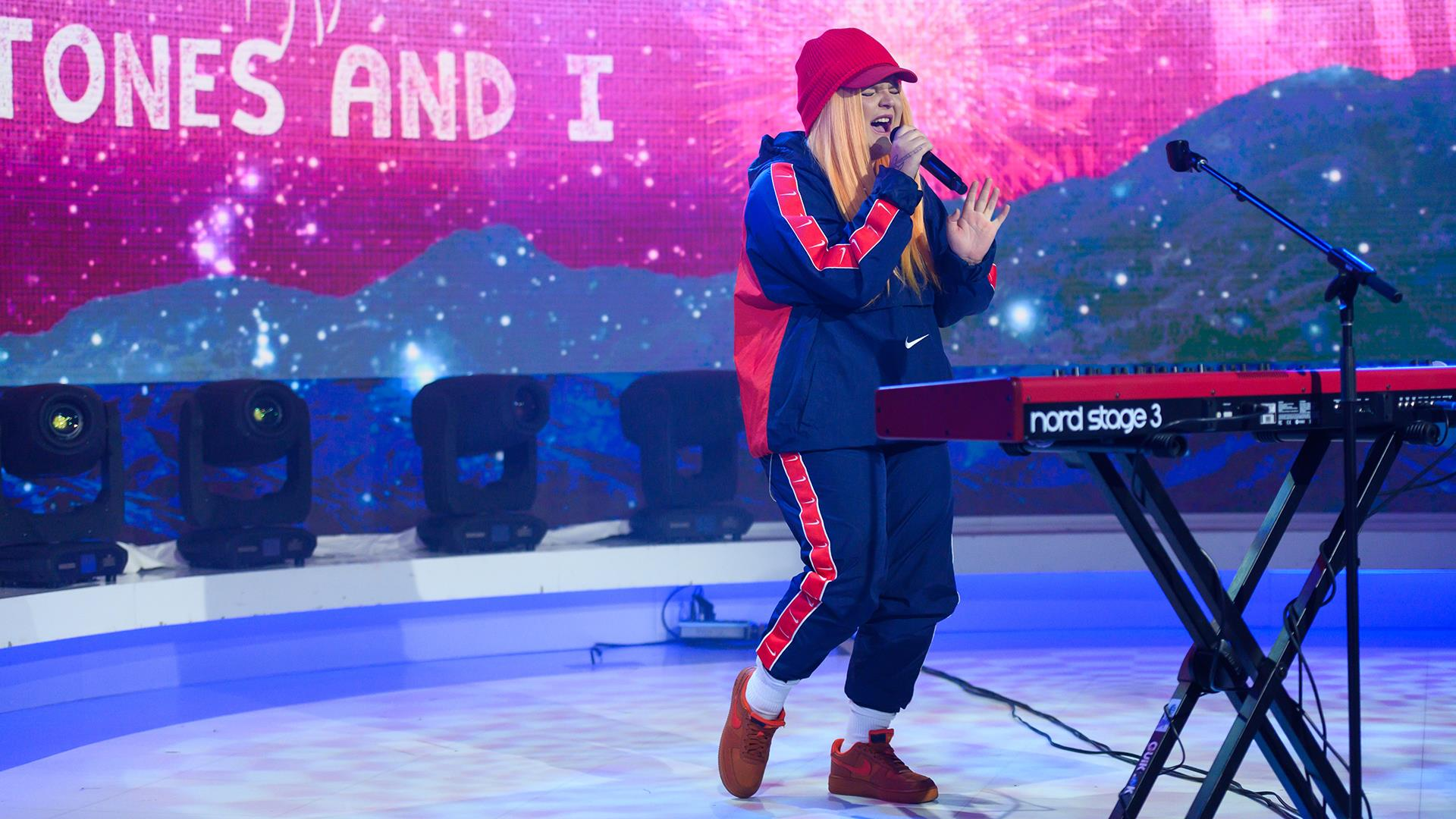See Tones And I Perform Her Global Hit Dance Monkey Live On Today