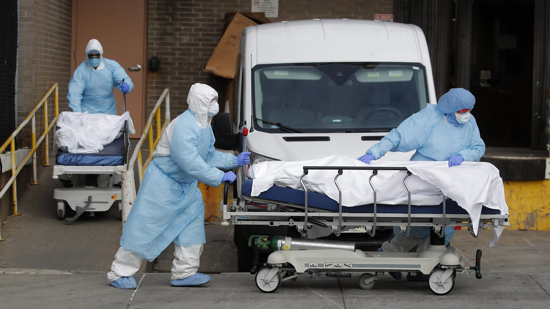 NYC medical workers treating coronavirus describe fear, confusion with protective equipment rationed