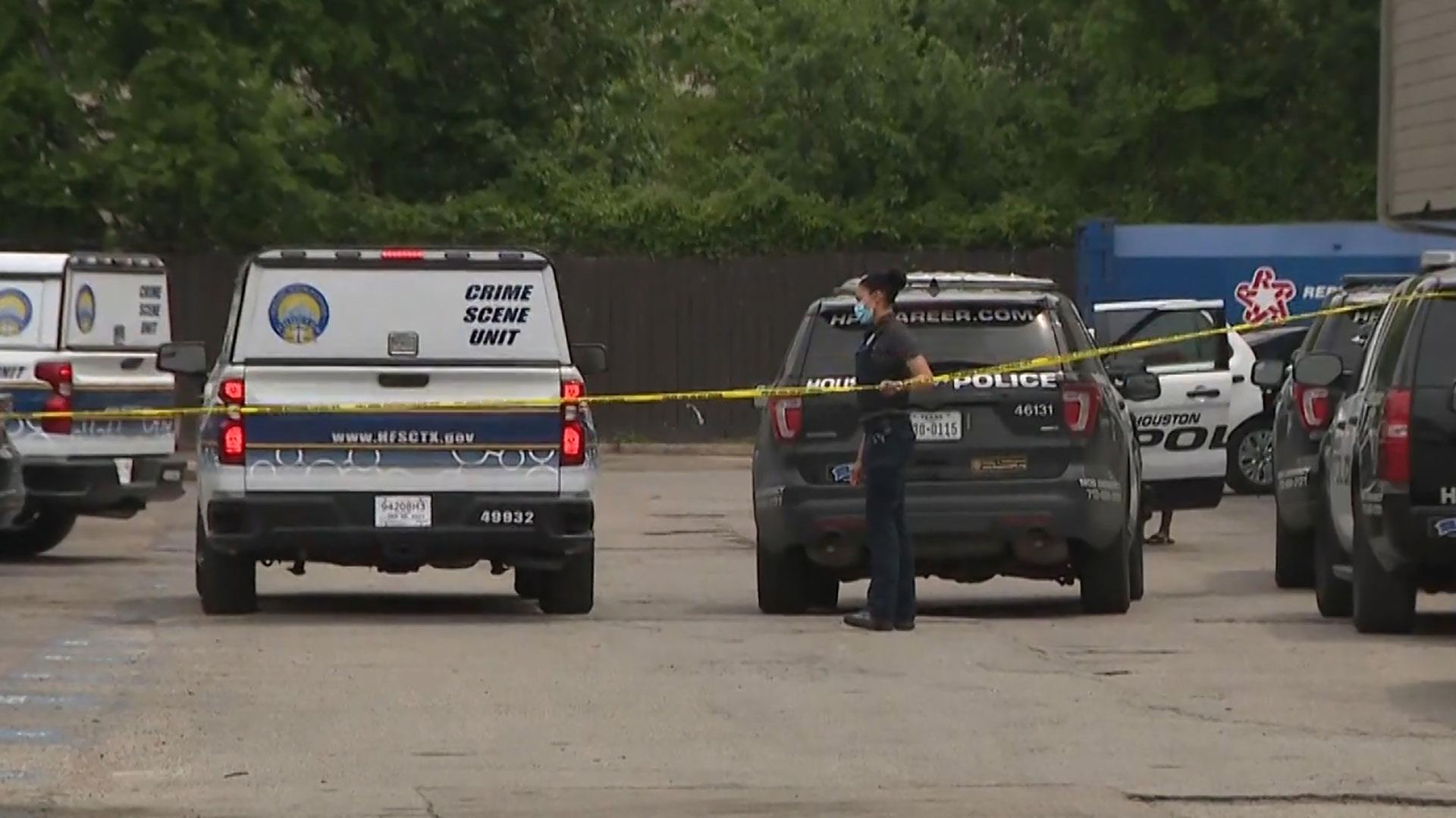 3-year-old fatally shoots baby brother after picking up unsecured gun in Houston, Texas