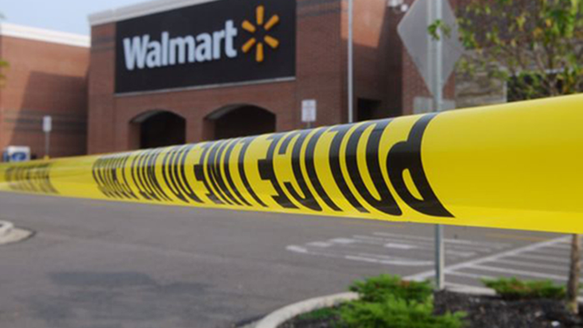 Walmart Shopper to 911: Gunman in Pets