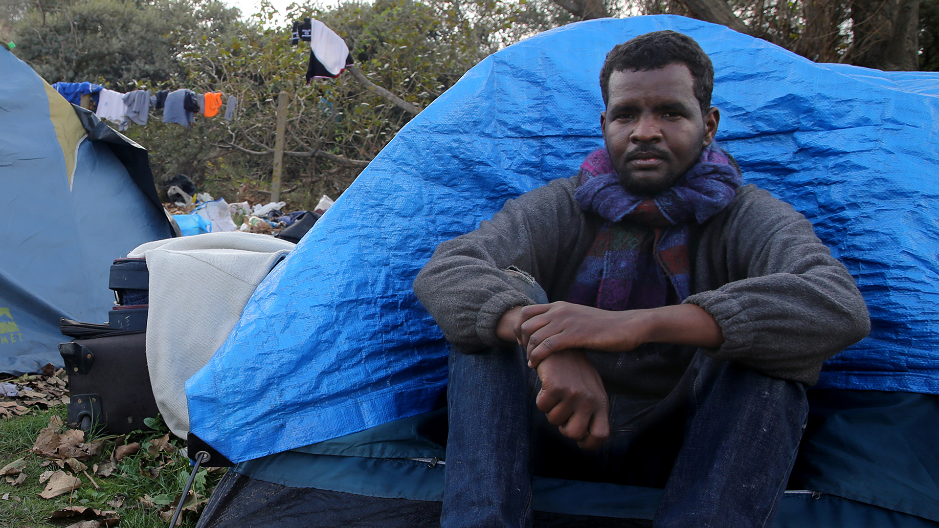 Migrants Trying to Reach U.K. Endure Hell of 'The Jungle' in Calais