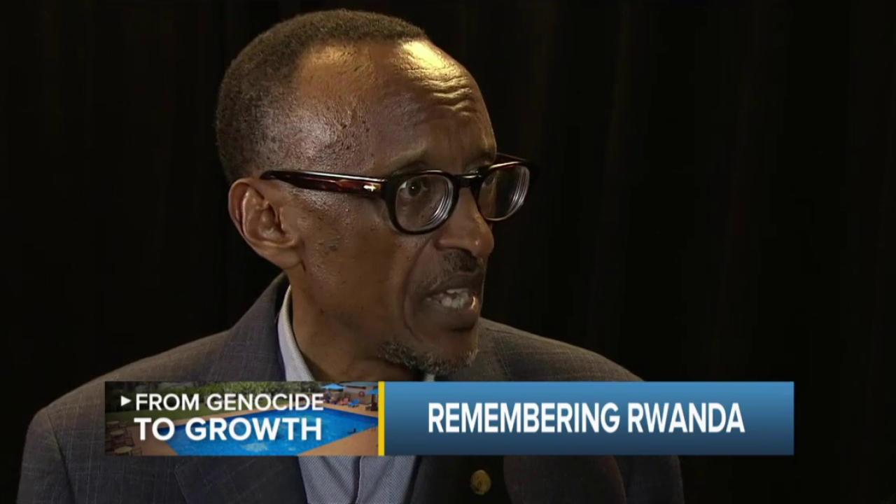 Rwanda Pres. on genocide, assn. charges