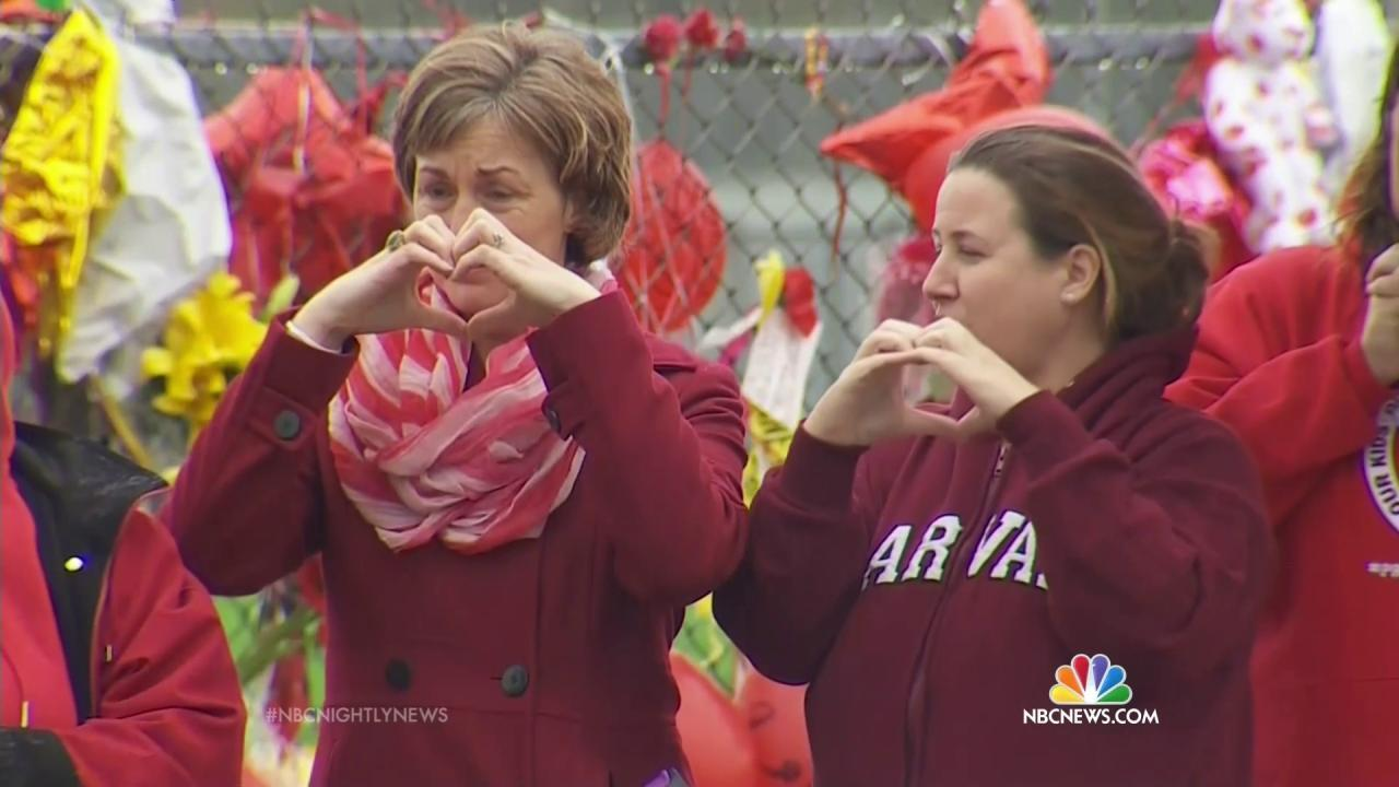 Marysville Students Return Amid Cheers 10 Days After Shooting