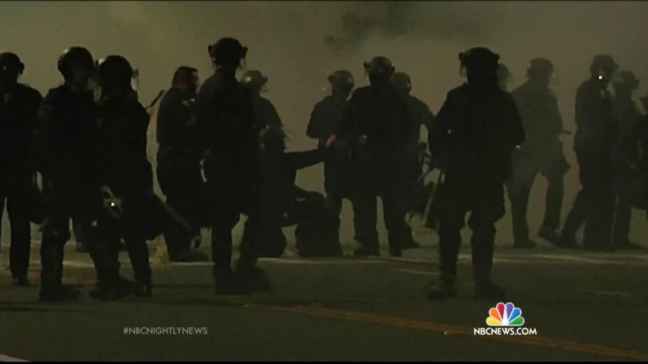 Eric Garner, Michael Brown Protesters in Berkeley Stop Amtrak Train