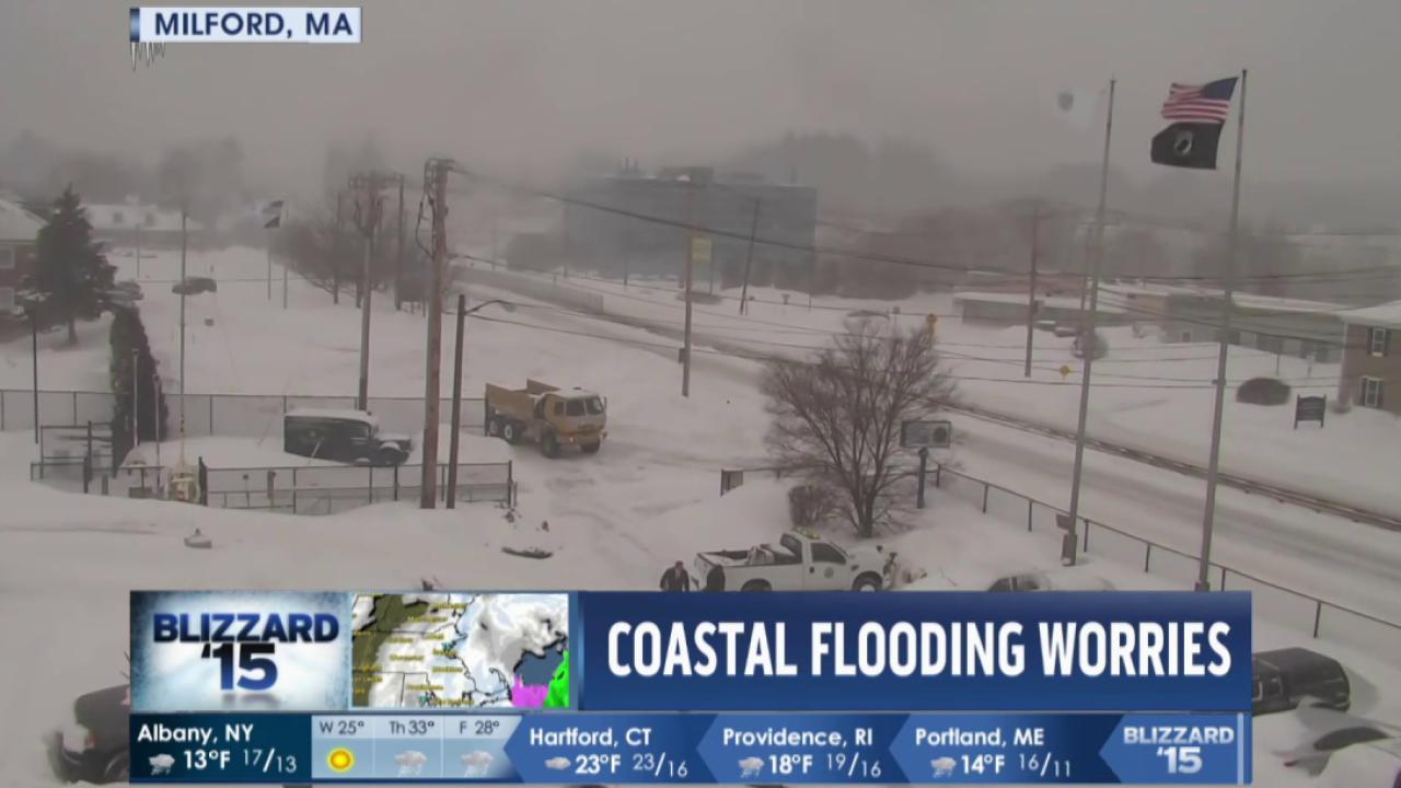 Massachusetts braces for continuing snowfall