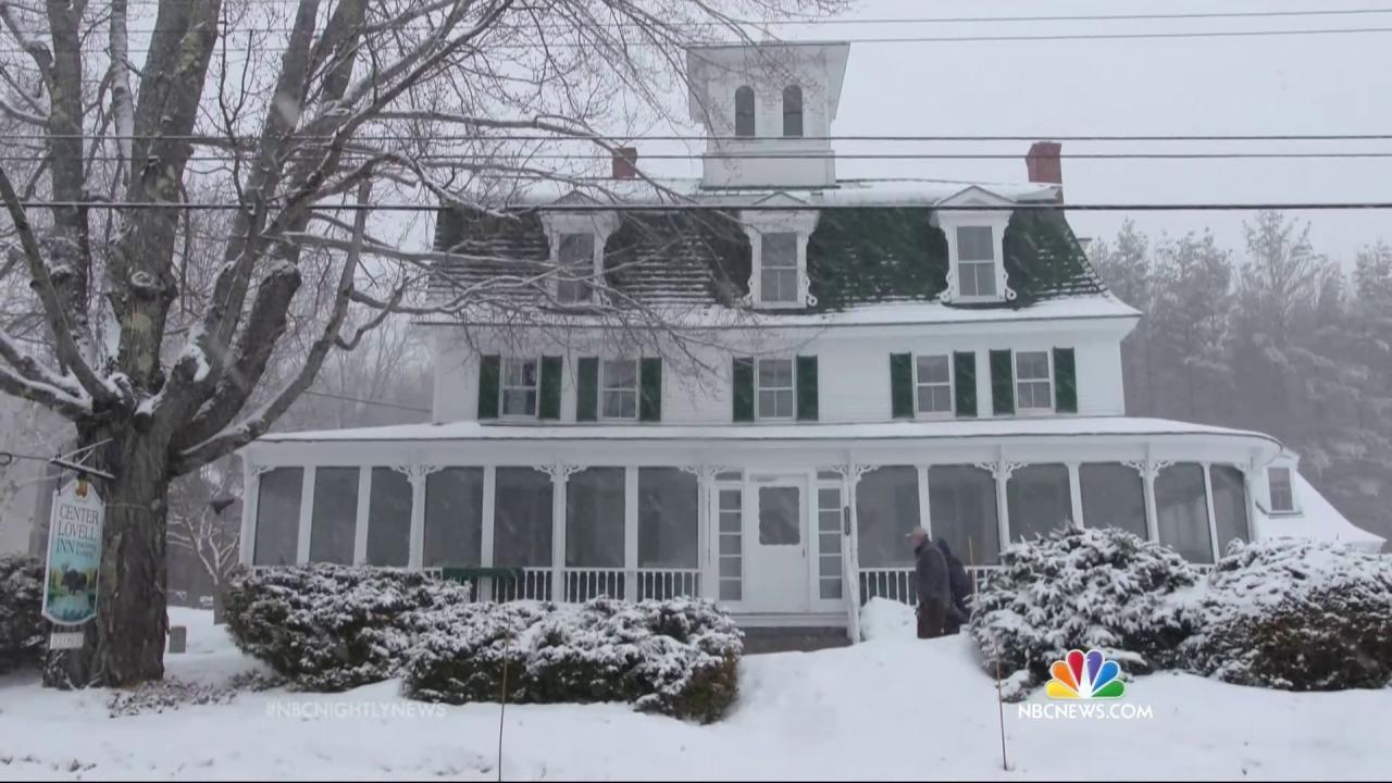 Center Lovell Inn in Maine's owner holding essay contest and the winner gets the property