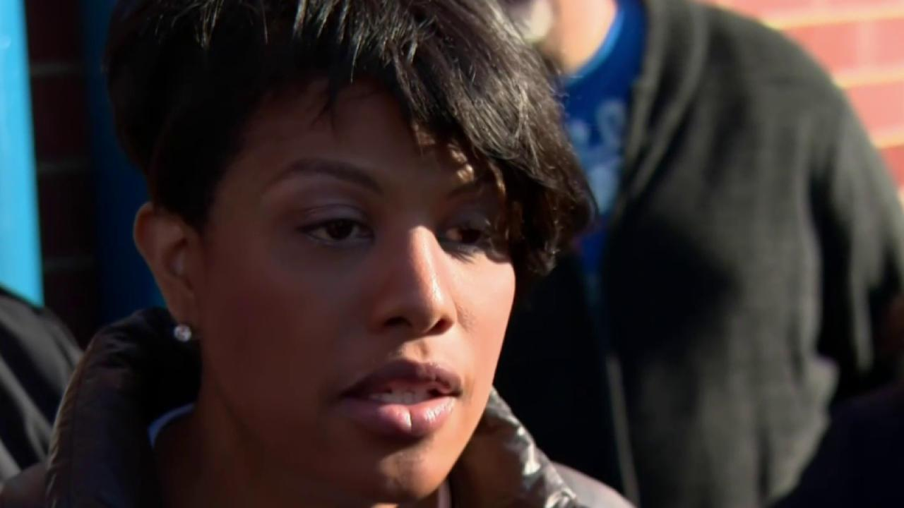 Baltimore mayor defends self in wake of riots