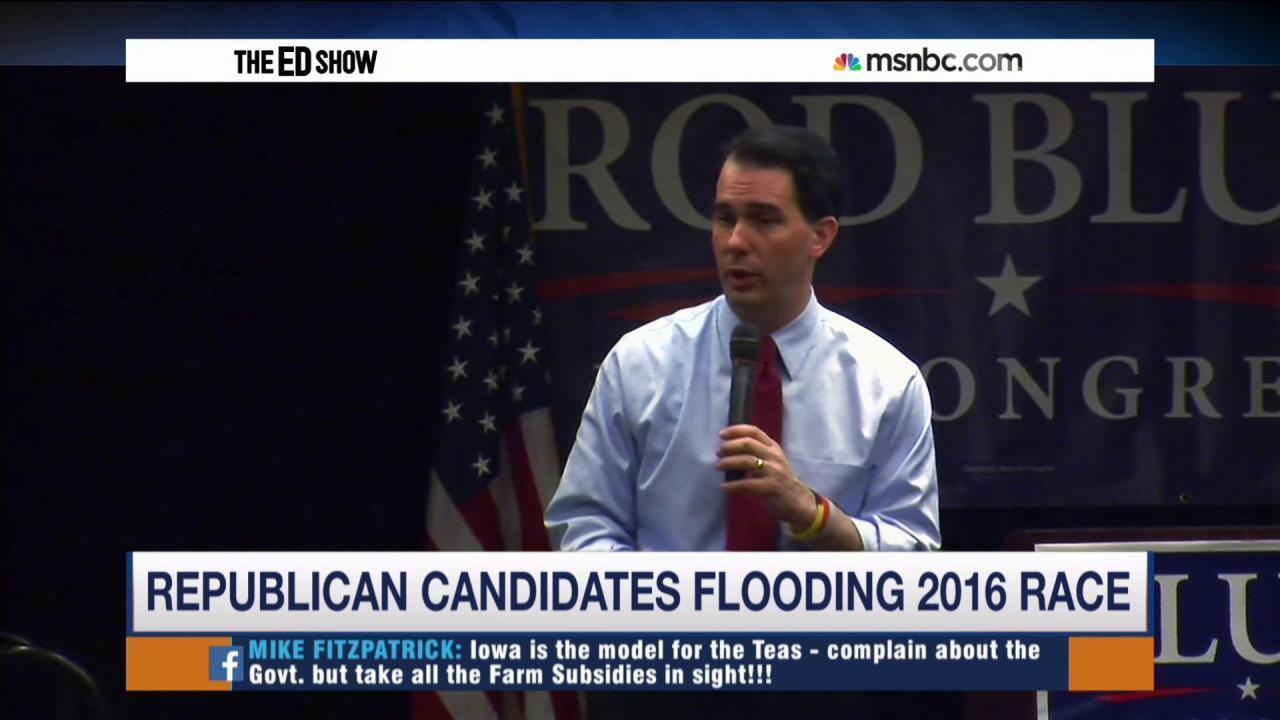 Walker leads Republican pack in Iowa