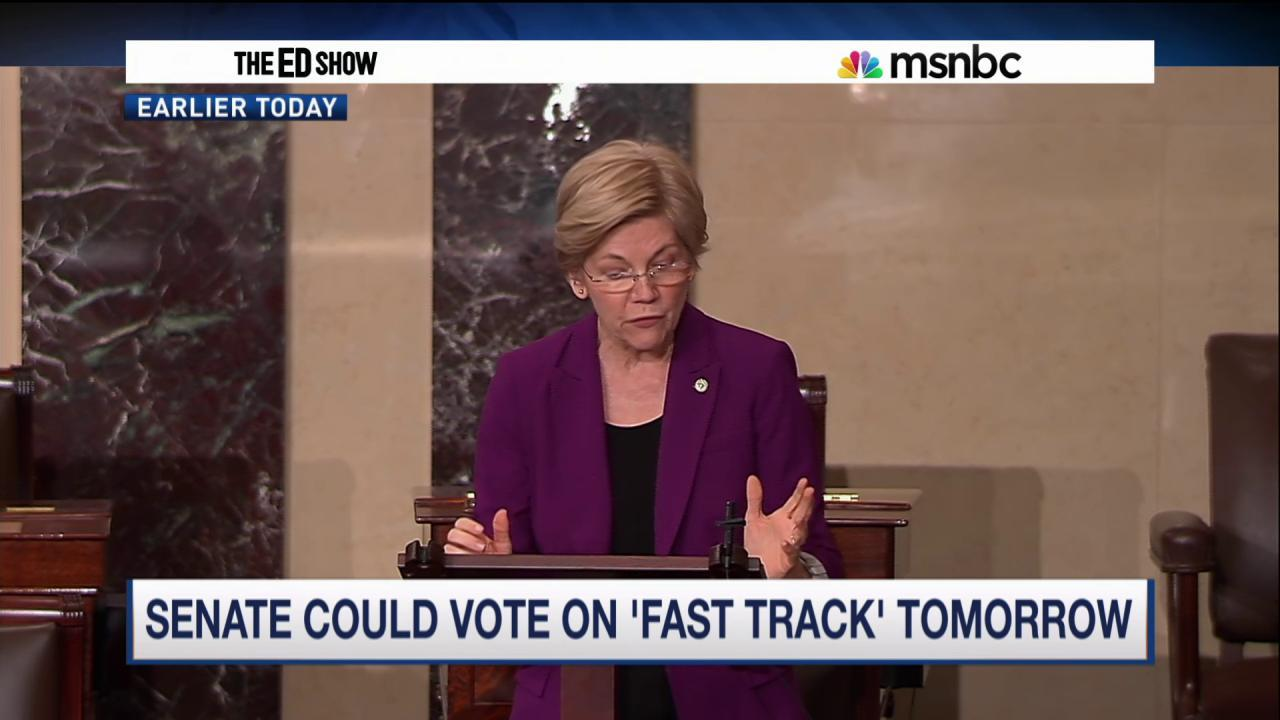 "Elizabeth Warren is ""having a huge impact"" pressing Hillary Clinton and the Democratic Party on TPP"