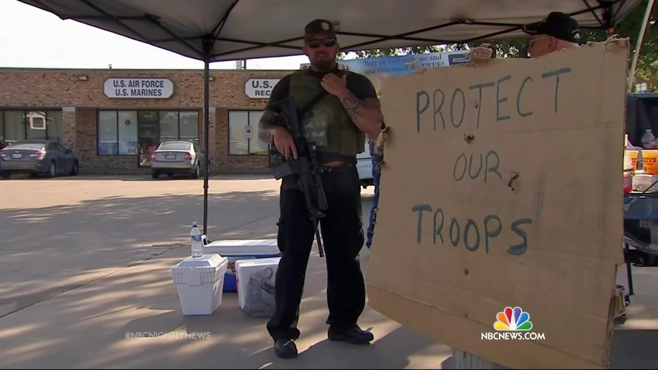 Pentagon Asks Armed Volunteers at Recruiting Stations to Stand Down