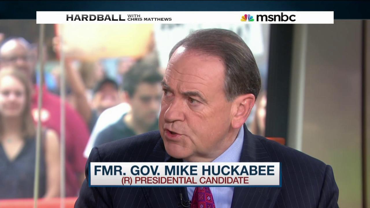 Huckabee is in the GOP 'Clown Car'