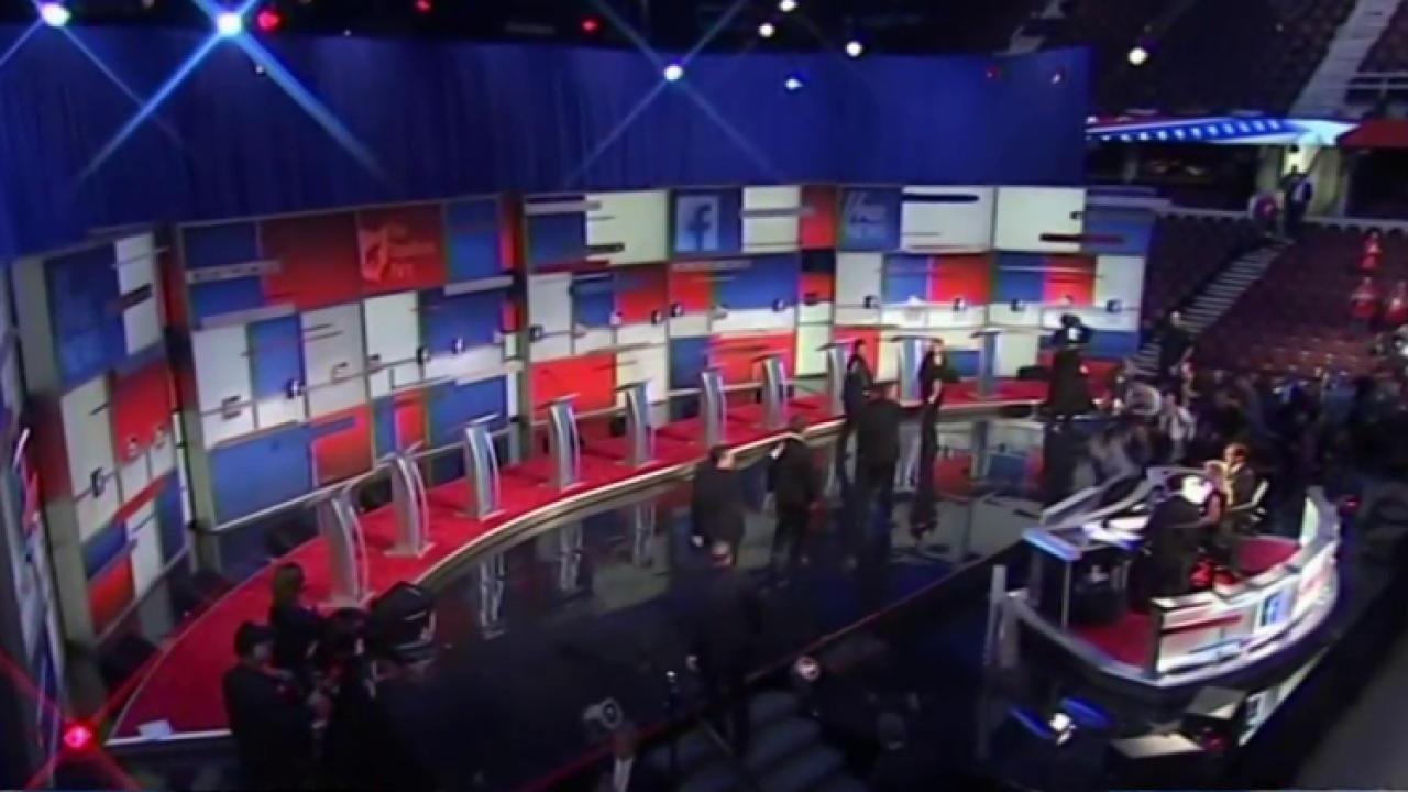 Trump threatens GOP with third party run