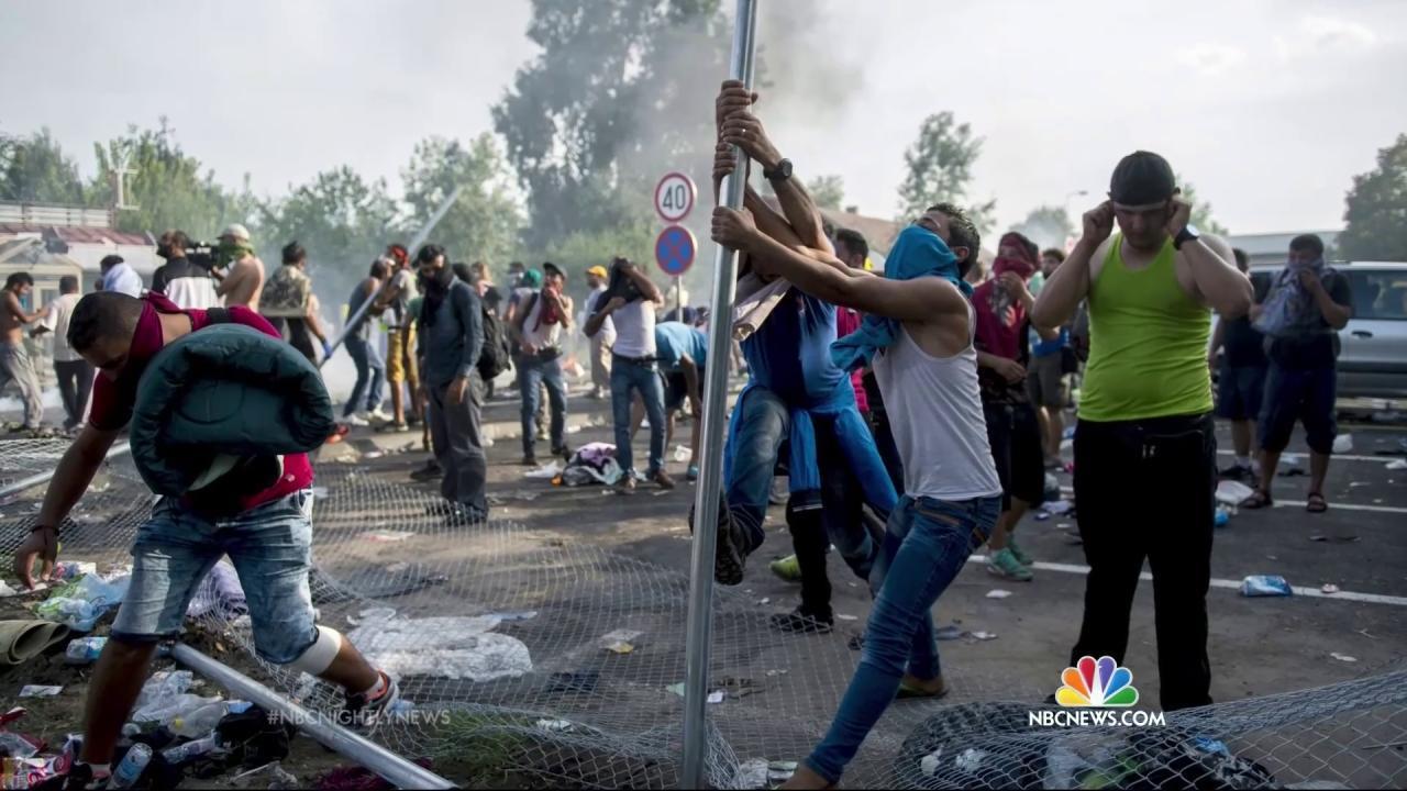 Croatia, Hungary in Diplomatic Spat Over Tide of Migrants