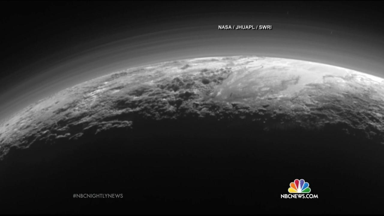 NASA's New Horizons Pluto Pictures Make You Feel Like You're There