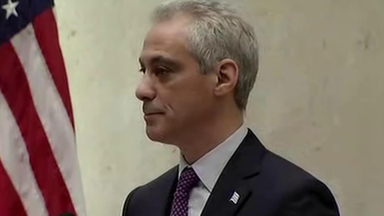 Chicago mayor calls for complete police...