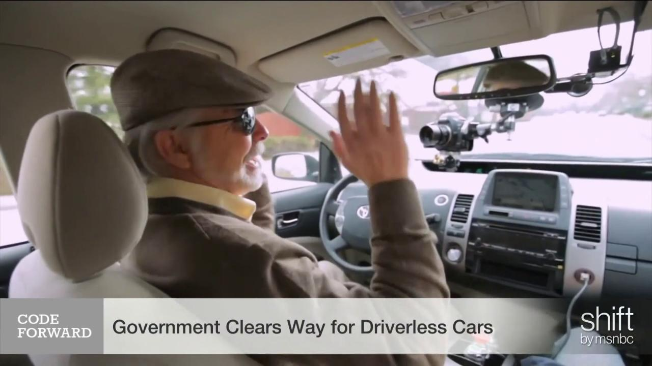 Government clears way for driverless cars