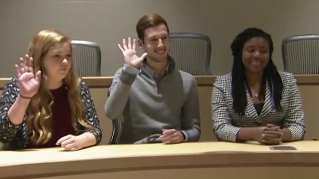 USC students debate 2016 election