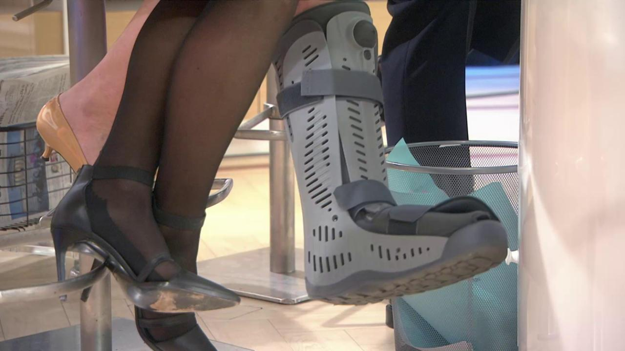 Savannah Guthrie Discusses Her Sprained Ankle Today Com