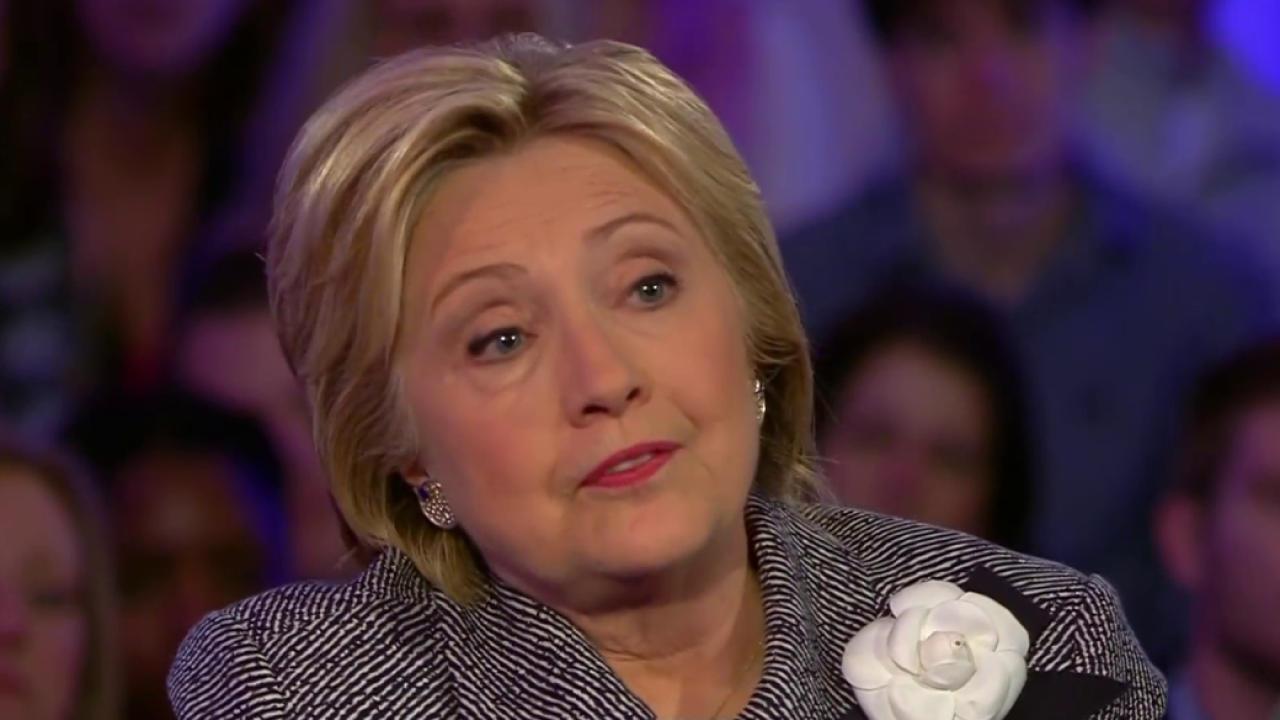 Clinton defends her Iraq War vote