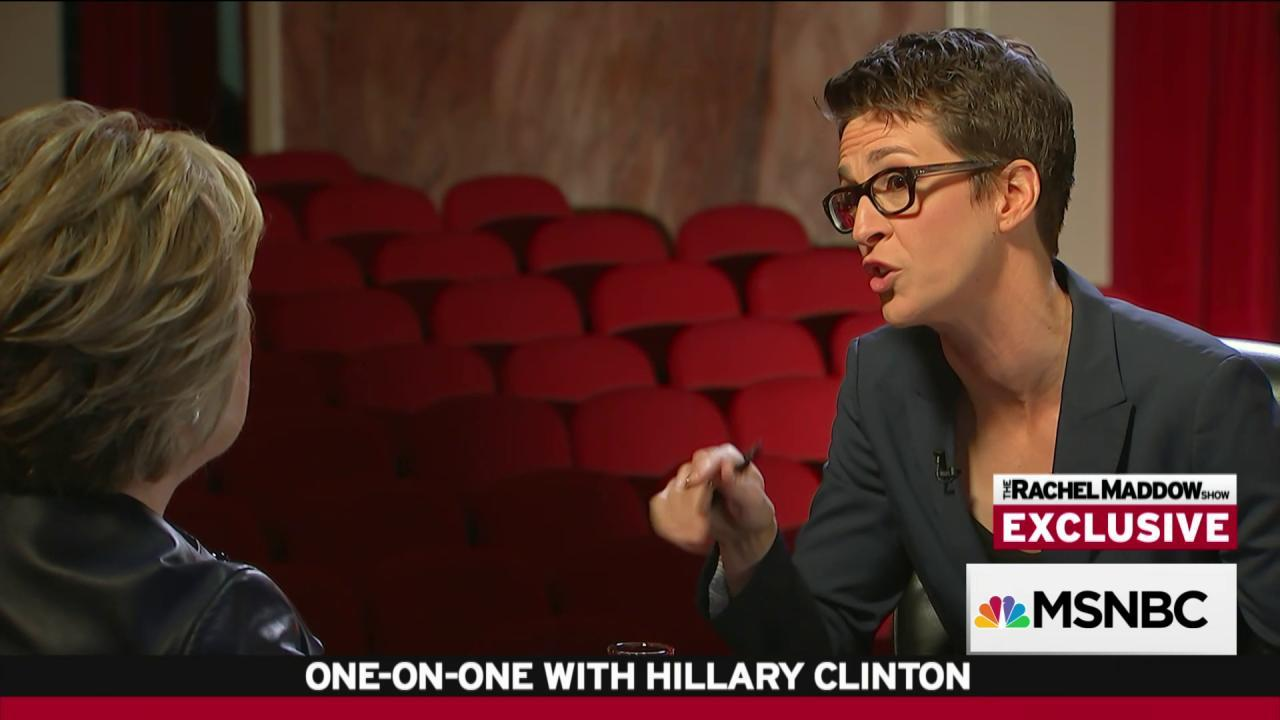 Clinton offers transparency on foundation