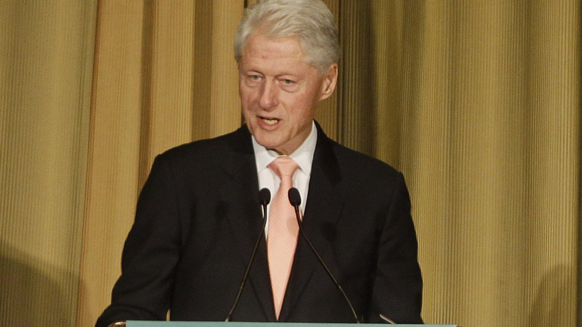 LIVE: Bill Clinton leads DC lecture series