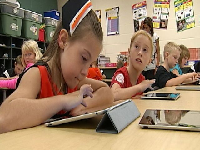 Sour Apple: Los Angeles Schools Want Refund For Failed iPad Program