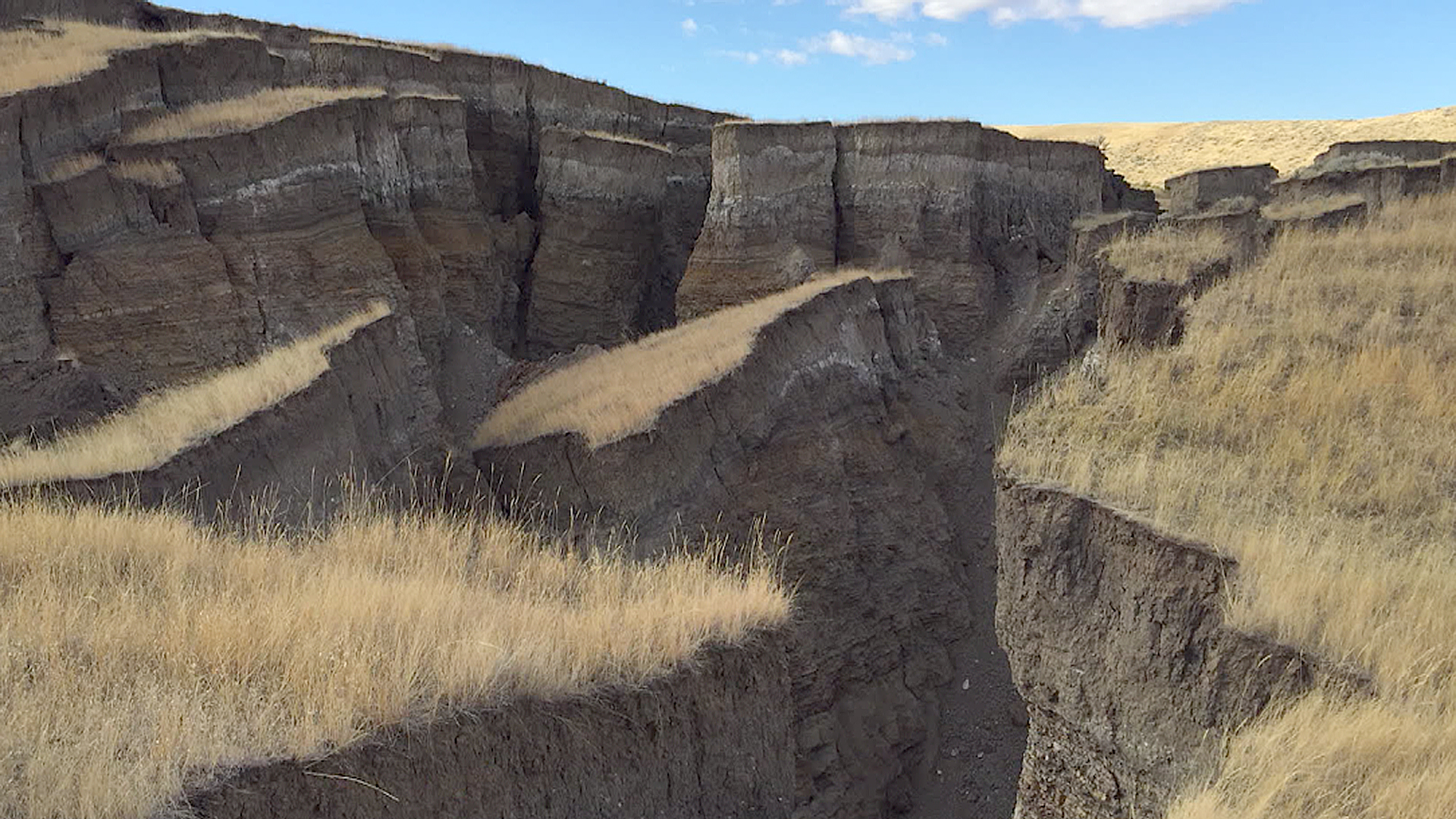 Growing Mystery Massive Crack In The Earth Discovered Wyoming