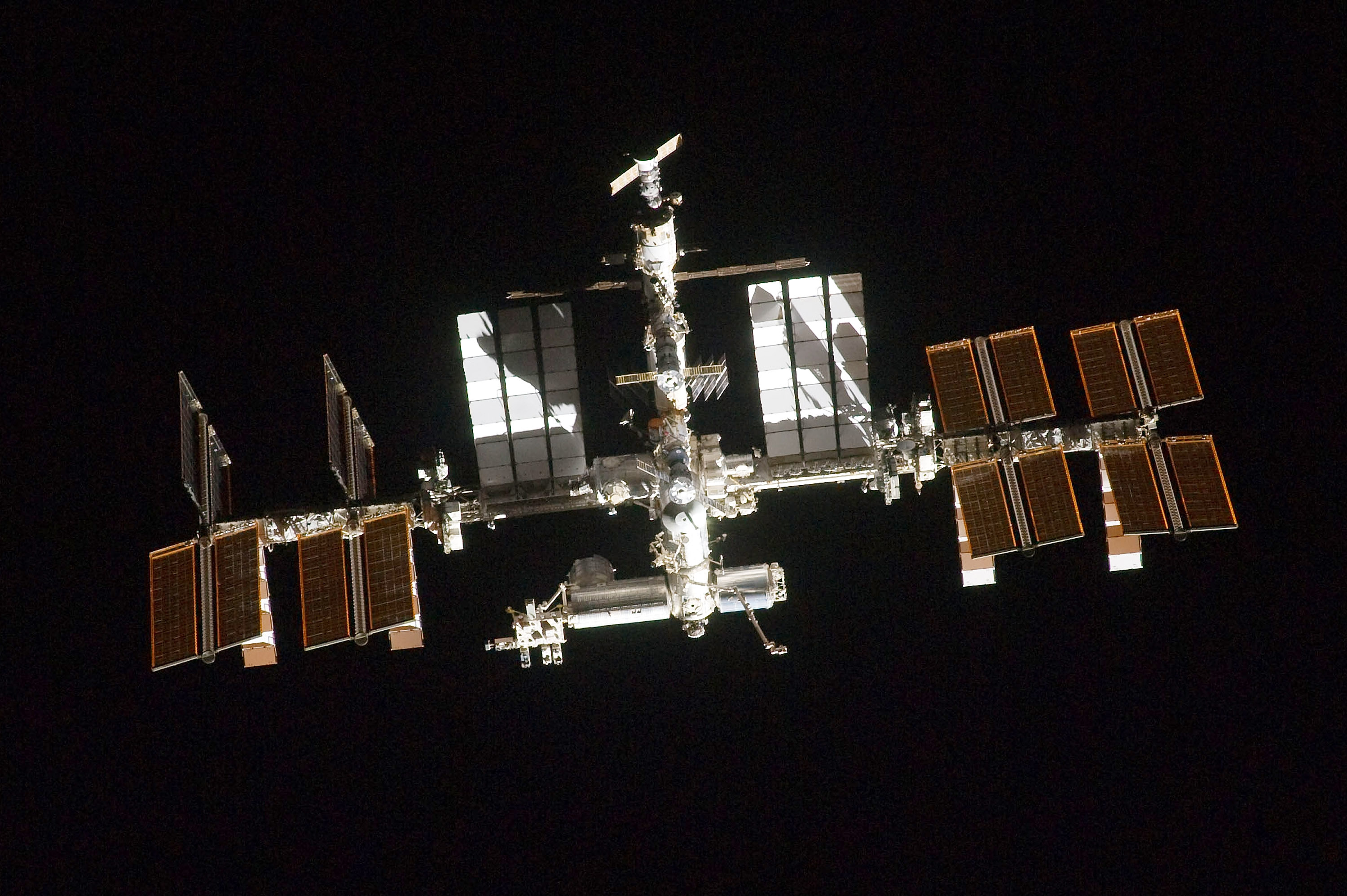 Russians and NASA Discuss Building a New Space Station