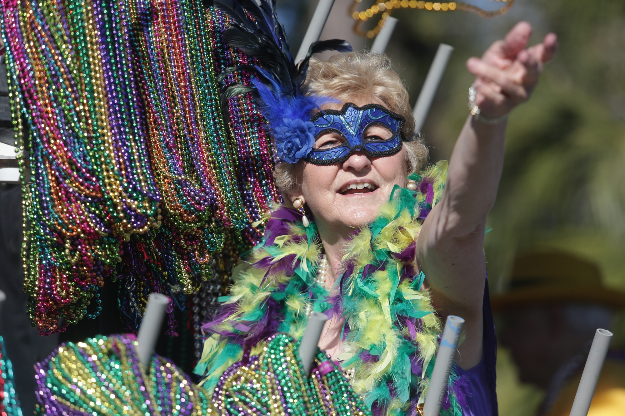 pulls of beads drains storm us carnival orleans fox gras mardi new news from pounds
