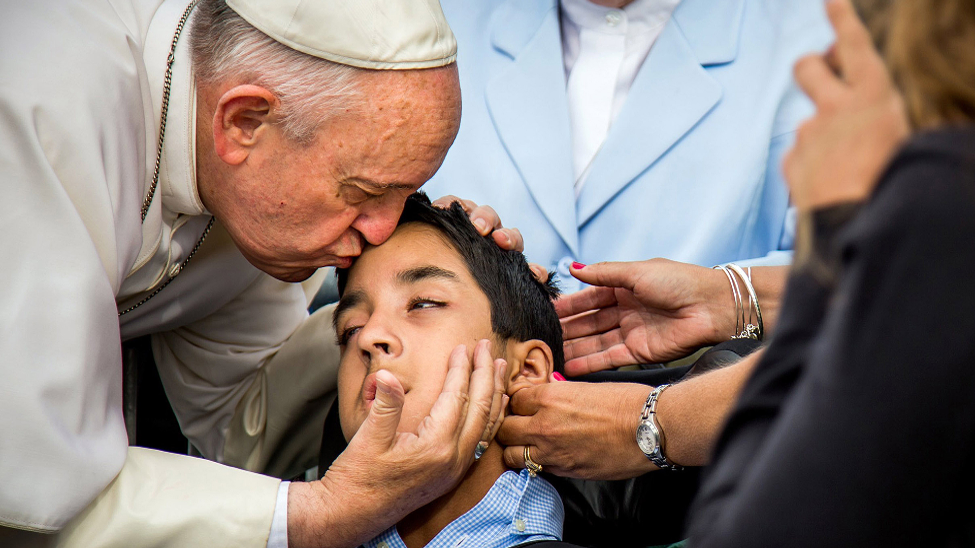 Family Overjoyed by Pope Francis' Kiss for Disabled Son